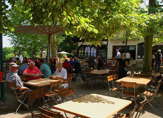 Biergarten Gastgarten Sommer Gäste