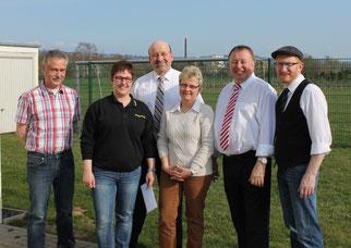 von links: Klaus Krämer, Bianca Schmitt, Bürgermeister Herbert Georgi, Gisela Göttlicher, Landrat Dr. Jürgen Pföhler und Ortsvorsteher Heinz-Peter Hammer.