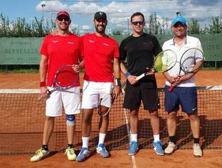 Finale im Herrendoppel: Lars, Sven, Alex und Frank