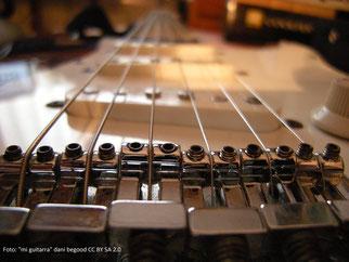 Stegreiter einzeln justierbar bei E-Gitarre Fender