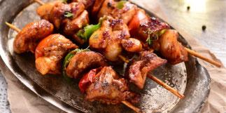 Brochettes de porc marinées
