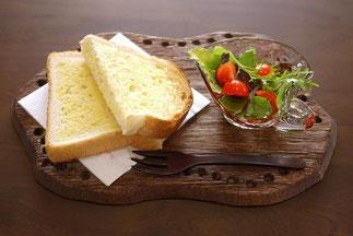 器と珈琲 Lien りあん のカフェメニュー: バタートースト+サラダ