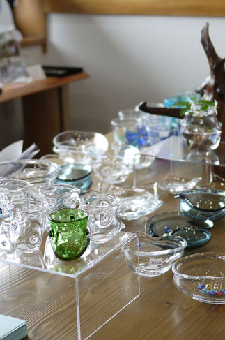 器と珈琲 Lien りあん のギャラリー: 埼玉県嵐山町の「透明工房」伊藤公恵さんの作品
