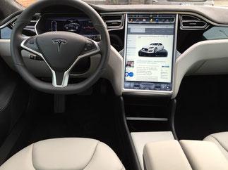 elektronisches Fahrtenbuch Tesla