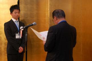 技能五輪全国大会敢闘賞の若泉和武さん。