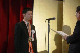 技能五輪全国大会銀メダルの平堀拓磨さん(秋山木工)