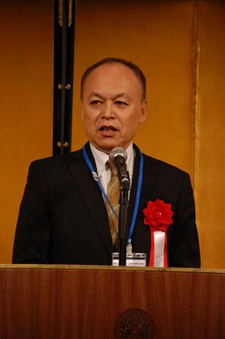 統合を指導した中央会の西村明夫専務理事。