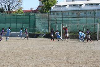 交代したGK浅野が活躍し試合を作る。