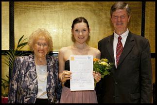 2013 Zweiter Preis: Natalia Kawalek Plewniak, KS Hilde Zadek, Prof. Michael Roßnagl (E. v. Siemens Stiftung) © Foto Fayer, 800x533pixel
