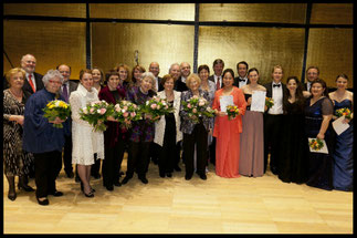 Gruppenfoto/FinalistInnenkonzert 2013, © Foto Fayer, 800x533pixel
