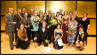 2007 Gruppenfoto beim Finalistenkonzert im Gläsernen Saal. © Foto Fayer, 800x450pixel