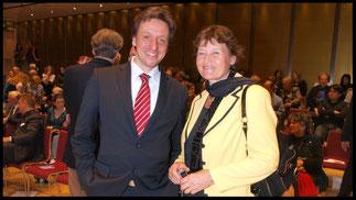 2009 Univ. Prof. Karlheinz Hanser (Vorstand des Institutes für Gesang / Uni Wien) und Univ. Prof. Dr. Gertraud Schmid © Foto Fayer, 800x450pixel