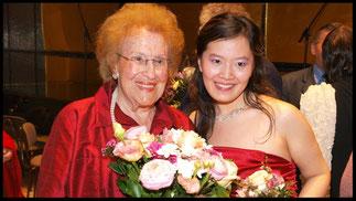 2009 KS Hilde Zadek mit Yuan-Ming Song (2.Preis) © Foto Fayer, 800x450pixel