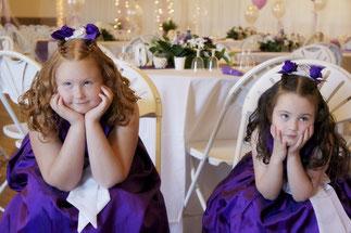 Hochzeit-Nanny, gelangweilte Kinder Kinderbetreuung Hochzeiten