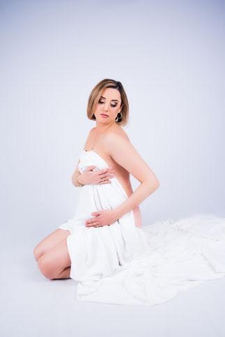 zwoele koppel zwangere vrouw