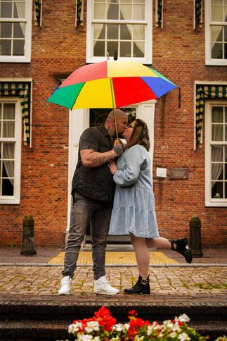 stelletje met paraplu