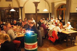 Gemütliche Atmosphäre im Gastraum des  Alten Guts/Würzburg
