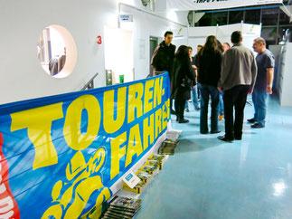 TF, MF und MA - der Reiner H. Nitschke Verlag Euskirchen steuerte Info-Material und viele Gratishefte zur Veranstaltung bei