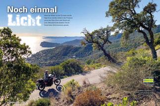 Coole Küste: Zwischen Agia Kiriaki und Tristinika präsentiert Sithonia ein spannendes Panorama aus schroffen Felsbuchten und der Inselwelt von Spalathronisia.