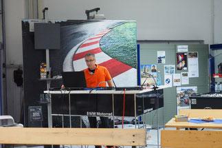 "Multivisionsshow ""Plan Persepolis"" bei Autohaus Mulfinger GmbH in Schorndorf"