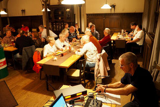 Gut besucht - der Saisonabschluss von Global Adventure Tours (GAT) im Alten Gut/Würzburg