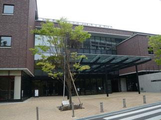 午後からの総会は岡本キャンパスiCommonsに場所を移して開催。