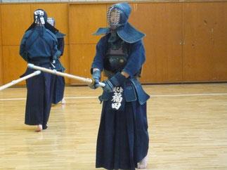 現在は東京都で勤務の福田先輩も参加。