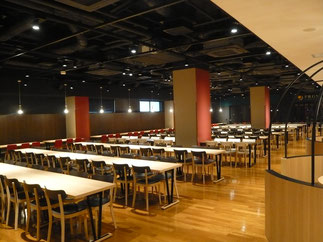 昨年に続き総会の会場となった学生食堂HraoDinnigHall。