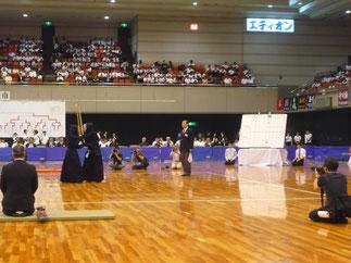 1日目の女子個人戦決勝で主審を務める田頭先輩。