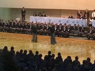 学生の大会には珍しく開会式で日本剣道形演武が披露された