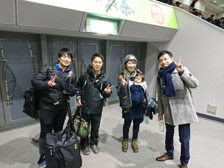 井上先輩・藤岡(旧姓 渋谷)先輩の平成22年卒コンビも同期や後輩の応援に駆けつけた。