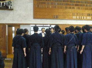 翌日の全日本大会を前にチームを仕上げてきた学習院陣営