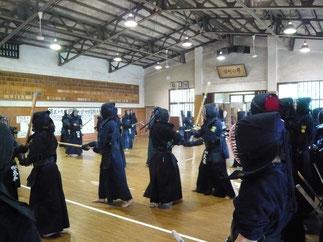 OB・現役学生による合同稽古会で1年に1度の汗を剣を交える