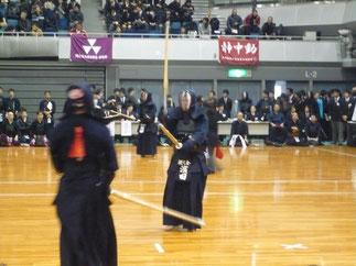 本大会初参戦の濱田先輩(H10年卒)の二刀が対戦相手を苦しめた