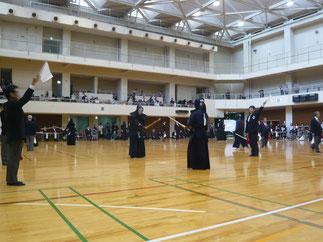 今大会がデビュー戦の若武者 井上先輩は初戦に続き二回戦も勝利を収め、チームを大いに勢いづけた。