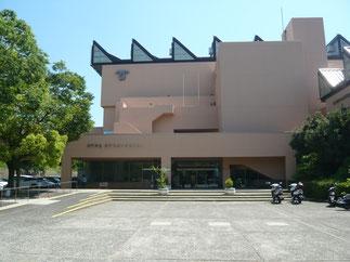 今大会の会場となった神戸市立王子スポーツセンター。