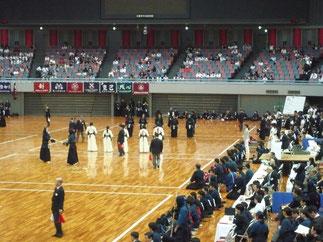 女子の2回戦(関西大学戦)は男子の試合と同時進行となった