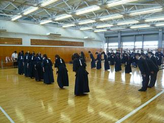 昨年に続き女子7人戦は本学の勝利に終わった。
