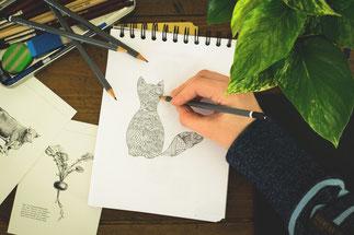Skizzieren mit Bleistift und Skizzenblock