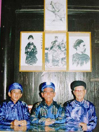 TROIS DES FILS DE L'EMPEREUR THANH THAI.