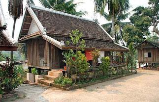 Kuti ou maison des bonzes et novices