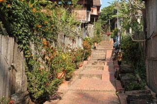 Les rues et venelles fleuries, bien propres. Certaines maisons sont transformées en guest house.