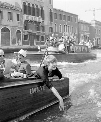 VENISE 1954. SHIRLEY MC LAINE