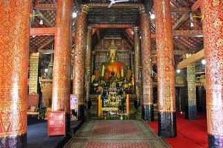 Grand Bouddha dans le vihan.