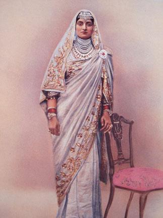 Maharani Sri  BAKHTAWAR KAUR  SHAHIBA 1892+1960 Mariée en 1908 à S.A.R Bhupinder SIngh elle est la mère du prince héritier Yadavindra Singh et représente son pays à l'étranger. On se rappelle sa somptueuse tiare devant la reine Victoria....