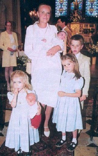 1999. Baptême Pcesse Zita de BOURBON PARME.  Pce Amaury, Pcesses Charlotte et Elizabeth ^^^ 1998. Baptême Pce Paul-Louis de NASSAU >>>