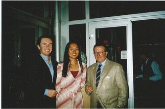 Eric Noblet, directeur des Echos, avec les futurs mariés.
