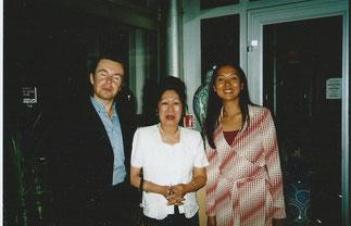 Maguy Tran entre Adalbert et Stella.