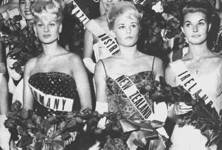 MARION SIBILLE ZOTA, MISS GERMANY à gauche, MAMAN DE ISABELLA, LAVINIA et MATILDE BORROMEO.