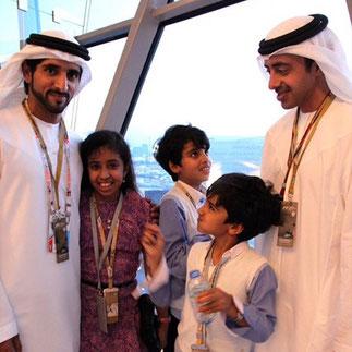 Sheikha Fatima, Sheikh Mohammed et Sheikh Zayed aux course avec le prince héritier de Dubai. (2014)